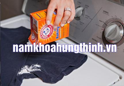 cách khử mùi hôi nách trên quần áo bằng baking soda